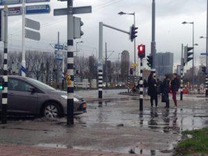 wateroverlast-voetgangers-rotterdam-nov13